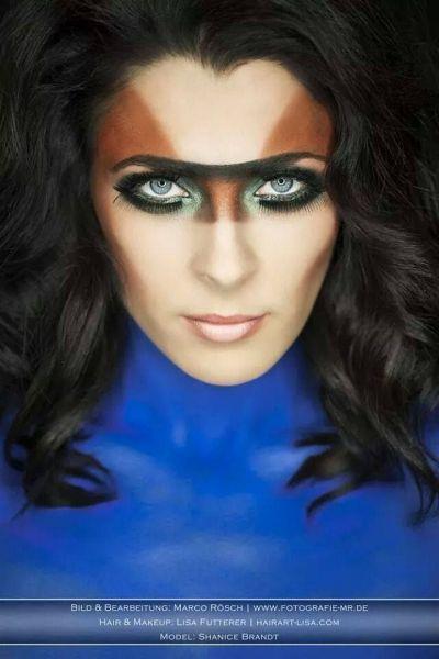 makeupausgefallenblau-braun